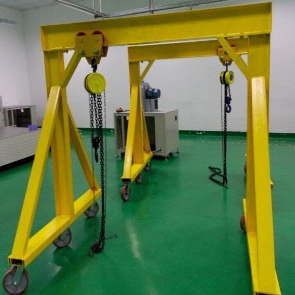 佛山起重机厂家直销0.5吨移动龙门吊,肇庆简易无轨移动式龙门架,茂名手推龙门起重机