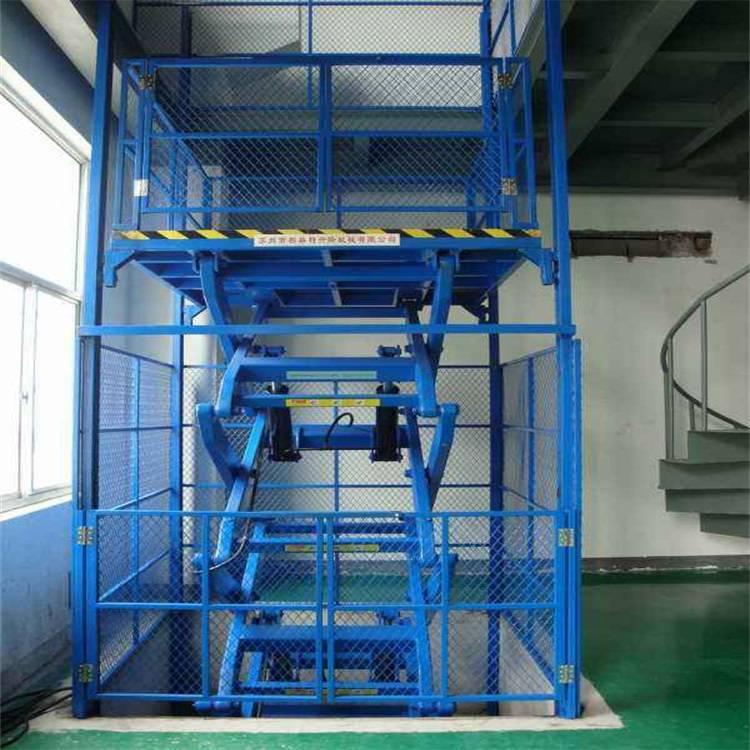 武汉导轨式升降机12米工厂用简易货梯电动液压升降机SC200/200施工升降机10T工厂货梯