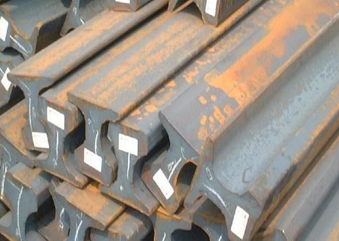 国标钢轨Q235B轻轨电动门轨道钢行车轨道钢起重机轨道50KG38KG24KG异型钢材